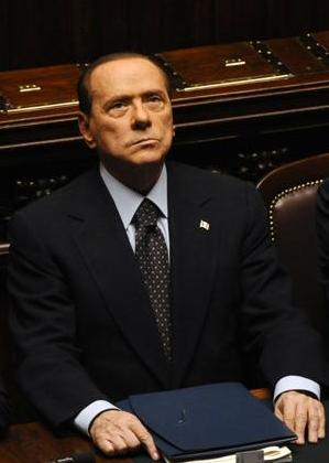 Berlusconi (tradito) molla. E si apre la bagarre