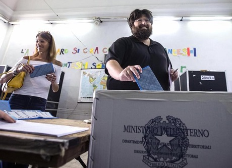La famiglia Adinolfi al voto